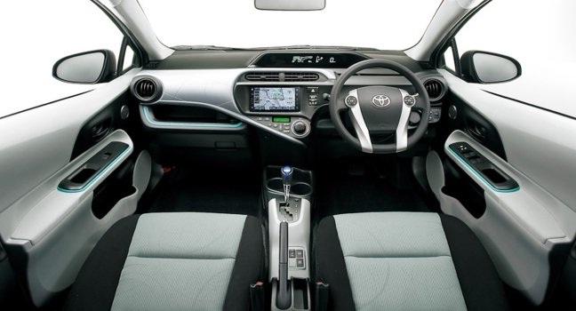 Toyota-Prius-C-automundoo-carro-autos-coches
